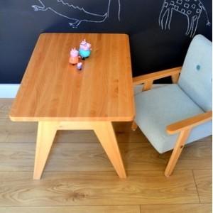 Dětský dřevěný stoleček TAP