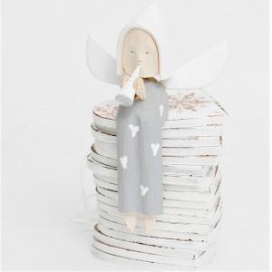 Dřevěný anděl s trumpetou - šedý se srdíčky