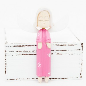 Dřevěný anděl zpívající - růžový