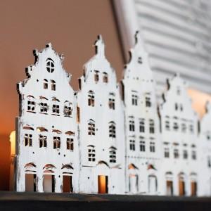 SKLADEM - Domečky vyřezávané - lucerna