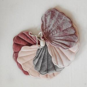 Girlanda velvet (aksamit) mušličky - Cosmic Pearl