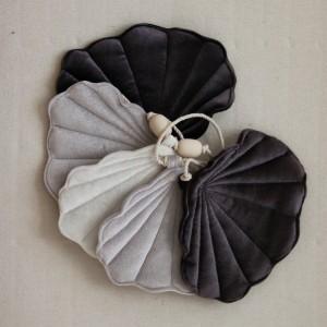 Girlanda velvet (aksamit) mušličky - Silver Pearl