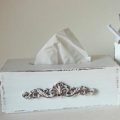 Krabička na kapesníky - Bílá s ornamentem