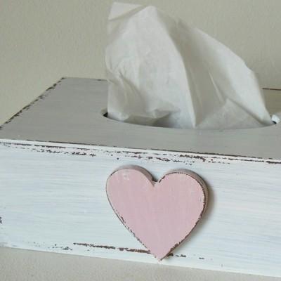 Krabička na kapesníky - Bílá se srdcem růžovým